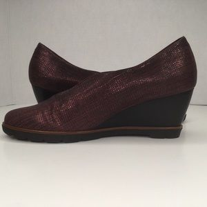 Hispanitas wedge burgundy suede and leather shoes.